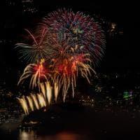 Fuochi d'artificio sul lago di Como: spettacolo di luci e colori