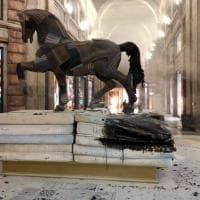 Milano, incendiato nella notte uno dei cavalli-design di Leonardo