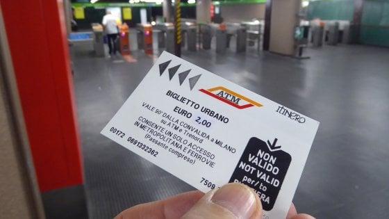 Milano, passa in Consiglio l'aumento del biglietto Atm, dal 15 luglio costerà 2 euro