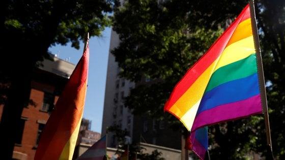 Milano, un carro dedicato ai migranti aprirà la sfilata del Pride