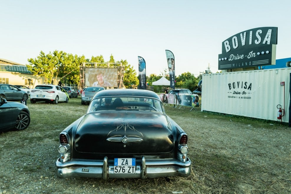 Milano, atmosfere vintage al cinema drive-in della Bovisa