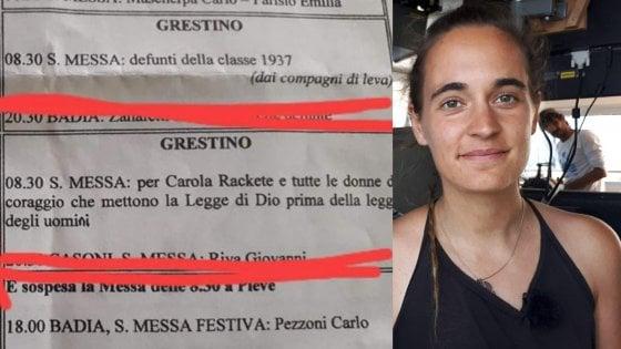 """Pavia, messa dedicata a Carola Rackete, il leghista Centinaio: """"Pagliacciate"""". Ma il vescovo decide di sospenderla"""
