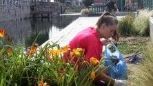 I volontari di Retake puliscono la Darsena dai rifiuti della movida