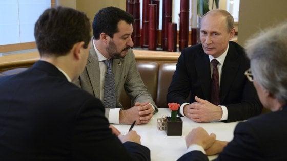 Fondi russi alla Lega: indagato Gianluca Savoini, l'uomo di Salvini per i rapporti con il Cremlino