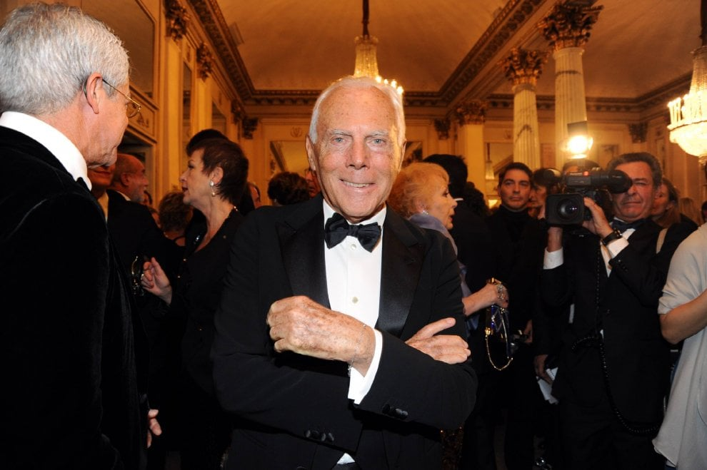 Buon compleanno re Giorgio: gli 85 anni di Armani a Milano tra moda, basket e spettacolo