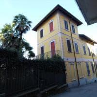 Umberto Bossi vende la villa di Gemonio: 4 piani e piscina panoramica