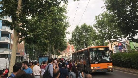 Atm Milano, sciopero dei mezzi in corso: disagi per i passeggeri di metrò e bus
