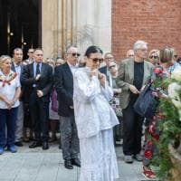 Milano, i funerali di Valentina Cortese, l'ultimo saluto alla diva del palcoscenico