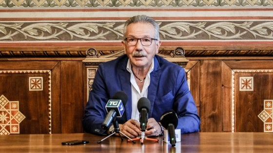 Inchiesta di Legnano, cade la giunta del sindaco arrestato: prefetto nomina commissario, elezioni in primavera