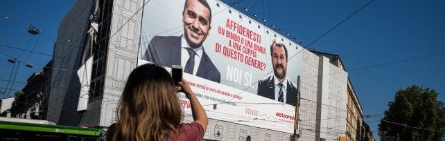 La provocazione di ActionAid: adotta a distanza una bimba senegalese per Di Maio e Salvini   ·  Foto  Il manifesto comparso a Milano