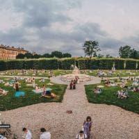 'Sogno di una notte di mezza estate' a Villa Litta: il picnic è magico