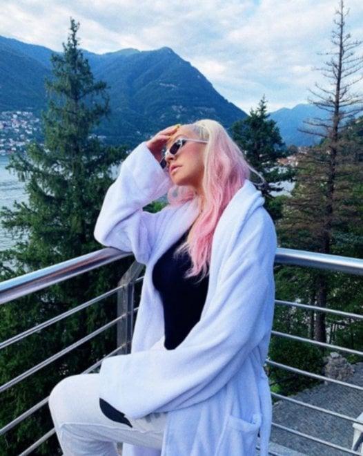 Tutti in vacanza sul lago di Como: dopo Obama e la nipote di Lady D arriva Christina Aguilera