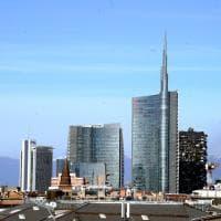 Morto l'archistar César Pelli, suo il grattacielo Unicredit di Porta Nuova con la guglia laica che domina Milano