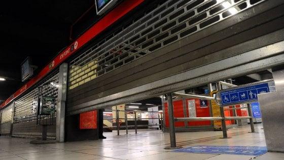 Scioperi, la settimana nera dei trasporti: mercoledì stop di mezzi pubblici e treni, venerdì gli aerei