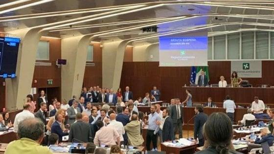 Obbligo di sepoltura dei feti, rissa sfiorata tra Lega e 5 Stelle in Regione: emendamento ritirato