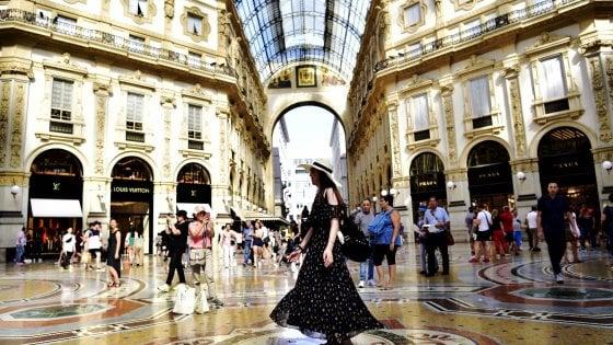 Milano, via ai nuovi bandi per la Galleria: scadono i contratti d'affitto di 26 negozi