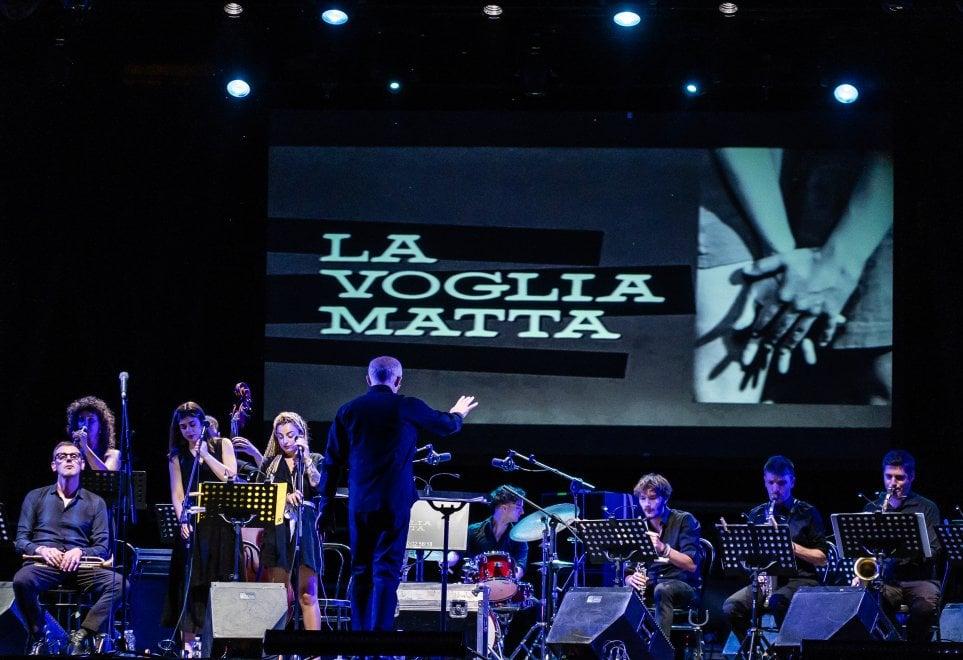 Che voglia matta di anni Sessanta e di jazz con Bosso, Tognazzi e Catherine Spaak