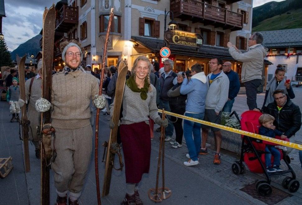 Livigno celebra la sua storia: grande festa con i costumi di un tempo