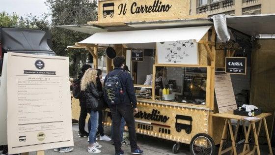 Lo street food in Lombardia raddoppia: 400 rosticcerie e friggitorie da strada. E in Italia il settore vale 19 milioni
