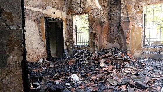 """Mantova: a fuoco villa Berni, fu sede del """"parlamento"""" della Lega Nord"""