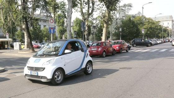 Milano, ora con il car sharing si va anche in vacanza