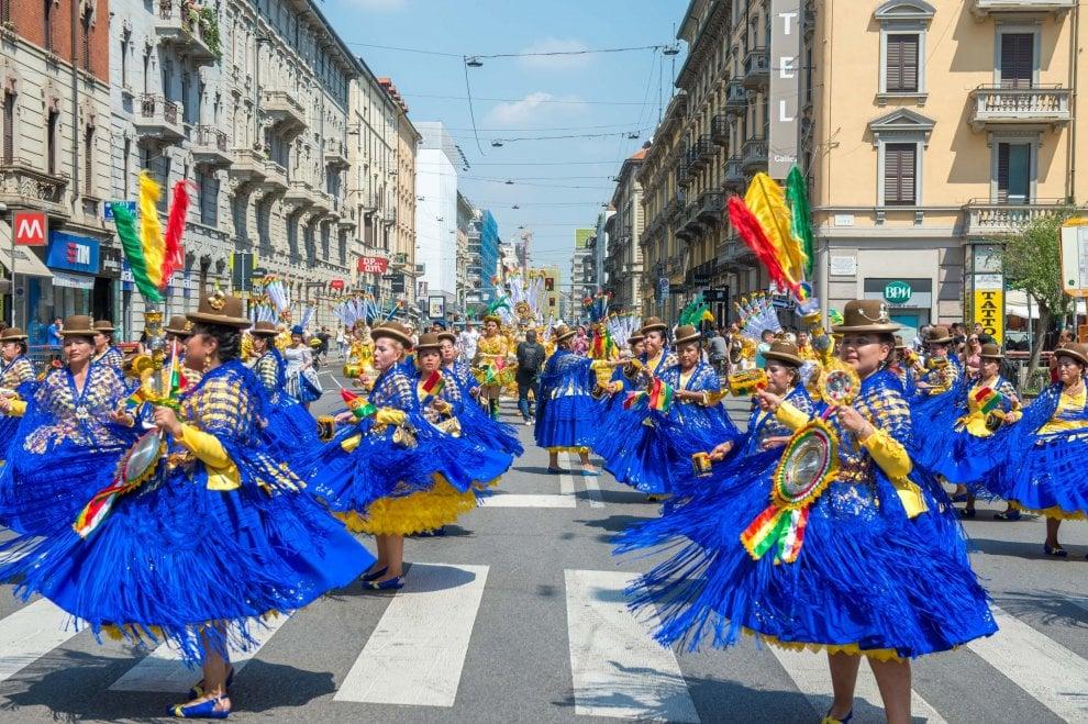 Milano: festa di colori per la Madonna di Urkupina, protagonista la comunità boliviana