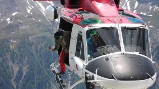 Precipita in un dirupo, muore escursionista di 66 anni