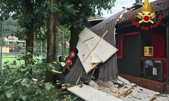 Maltempo in Lombardia, non c'è tregua: danni dal bresciano al pavese con alberi abbattuti e case scoperchiate