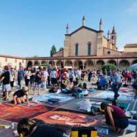 Raduno nazionale dei madonnari a Grazie di Curtatone: 150 artisti trasformano la piazza in una galleria a cielo aperto