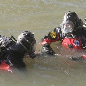 Pavia, si tuffa nel lago per recuperare la canna da pesca: morto un 24enne
