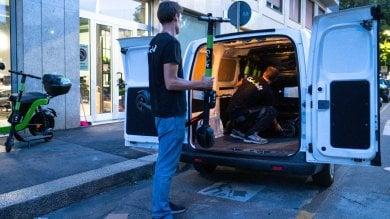 Foto Monopattini elettrici, dopo lo stop del Comune le società ritirano i mezzi