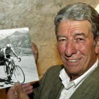 Felice Gimondi, aperta a Paladina la camera ardente del campione morto a 76 anni