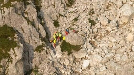 Incidenti in montagna, in Valle Camonica alpinista scivola e precipita: muore 38enne di Cantù
