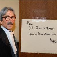 Milano, fiori e messaggi sulla porta dell'ufficio per ricordare il pm Marcello Musso