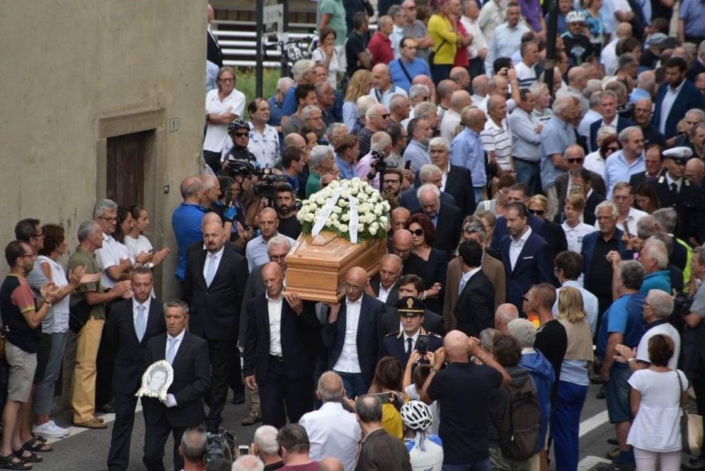 Felice Gimondi, Moser e gli altri colleghi per l'addio al campione del ciclismo