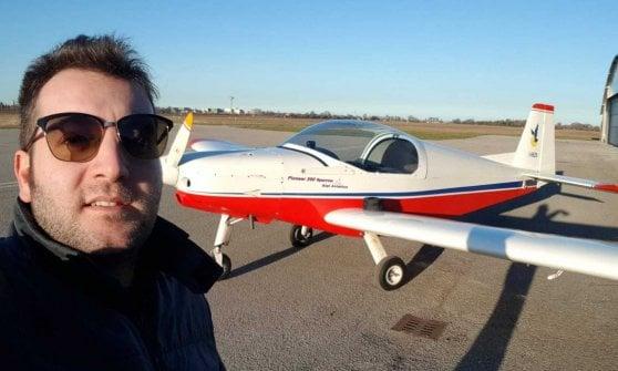 Guidare aerei ultraleggeri con una mano sola: primo brevetto in Italia