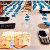 Milano, spaccia cocaina davanti Scala: fermato con le dosi negli slip