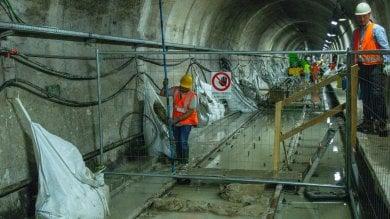 Iniezioni di cemento per impermeabilizzare il metrò sommerso dalla falda ·  Foto