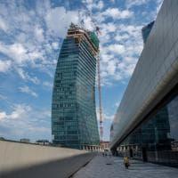Il Curvo, il Dritto e lo Storto: con gli ultimi lavori si completa la triade di grattacieli di CityLife a Milano