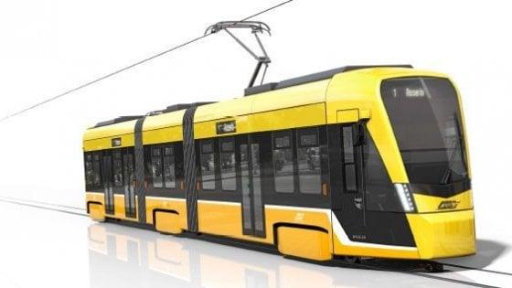 Milano, ecco i nuovi tram di Atm: gialli, bidirezionali e più silenziosi