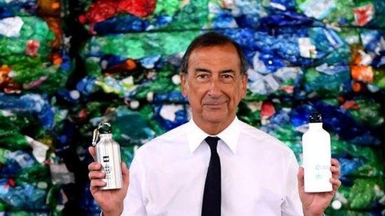 A scuola con le borracce: su Instagram il sindaco Sala con il dono 'plastic free' per gli studenti