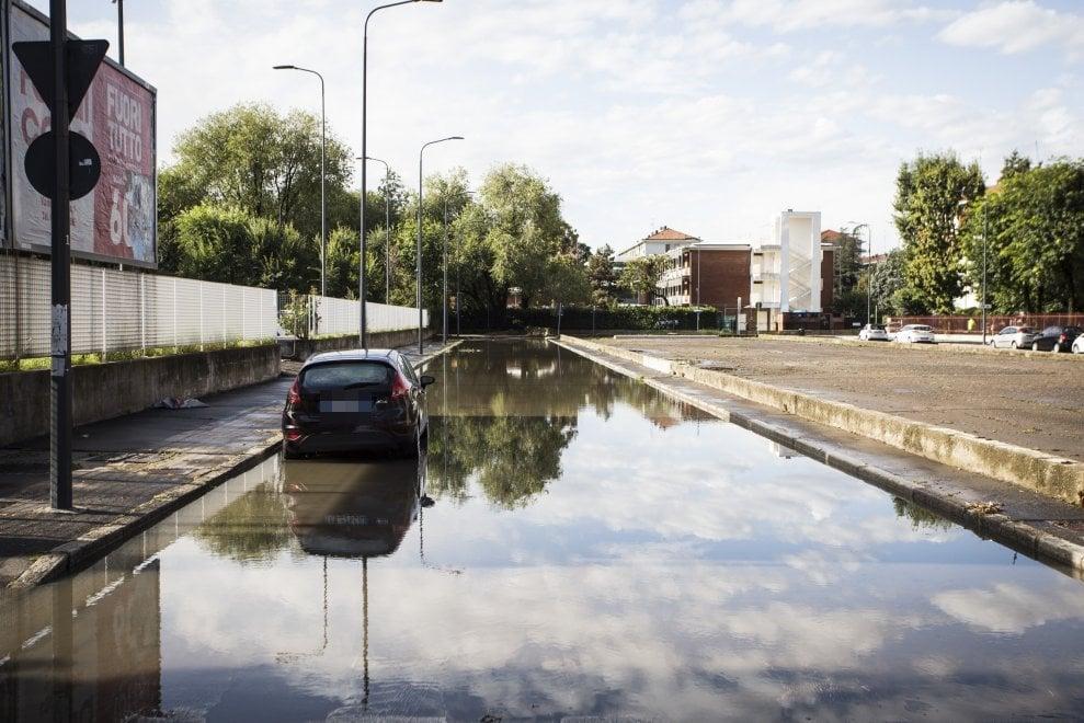 Milano, le strade di Niguarda colpite dall'esondazione del Seveso