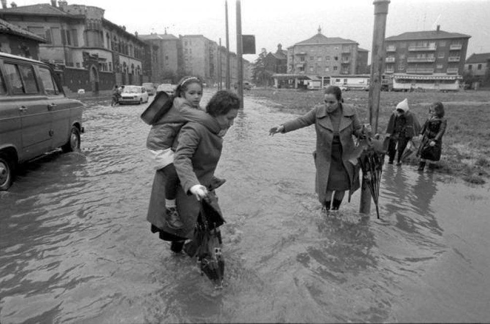 Seveso, dagli anni Trenta del secolo scorso nulla è cambiato: le foto d'epoca di Milano sott'acqua