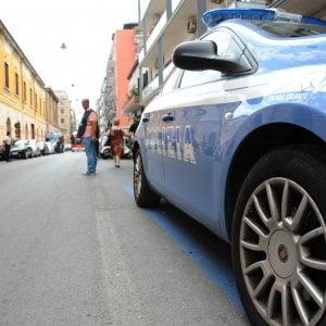 Milano, picchia la compagna: il figlio 13enne chiama la polizia e lo fa arrestare