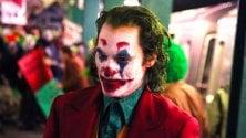 Vestito da Joker e con una pistola finta in metrò: denunciato
