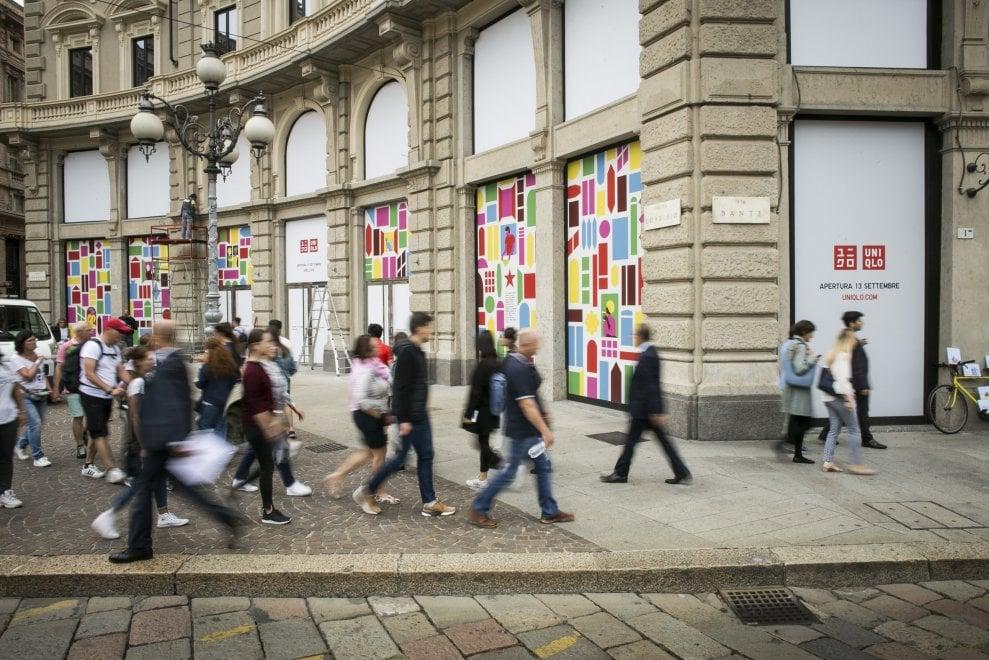 Uniqlo inaugura a Milano il primo store italiano: tutto pronto per l'apertura in piazza Cordusio