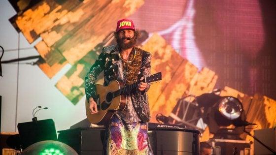 Jova beach party: musica e ambiente, una sfida concreta senza ipocrisie