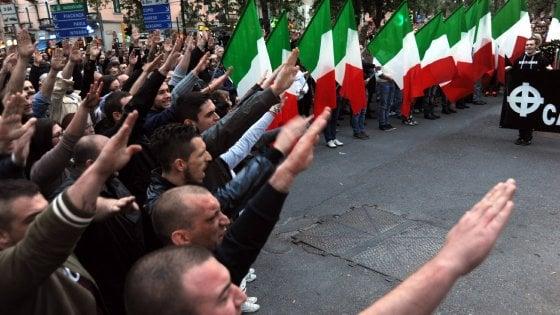 Saluti romani al corteo per Sergio Ramelli: tutti assolti in appello i 16 imputati di Forza Nuova e CasaPound