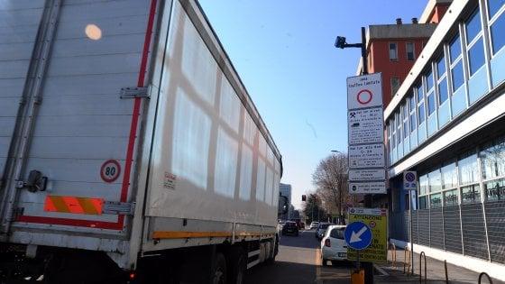 La fase 2 della Milano diesel free ferma in città 84 mila auto Euro 4