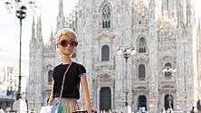 Barbie in posa a Milano per la Fashion Week: l'omaggio su Instagram